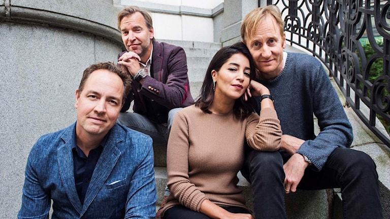 Regissörerna Björn Stein och Måns Mårlind, här tillsammans med huvudrollsinnehavarna Leïla Behkti och Gustaf Hammarsten. Arkivbild.