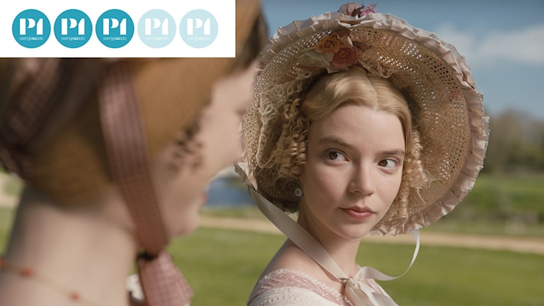 """Bild ur """"Emma"""" (2020) med recensionsbollar."""