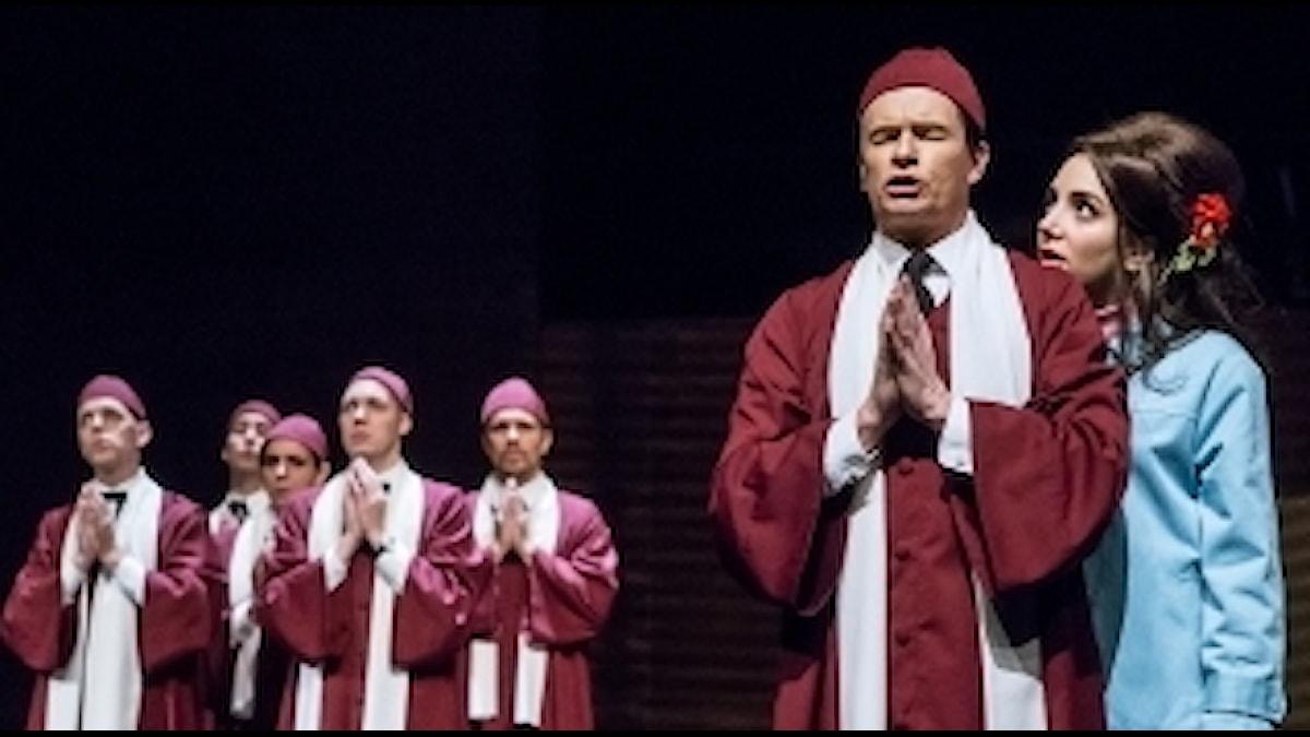 Donna Juanita – En musikal med 28 låtar ur Hasse och Tages låtskatt. Av Erik Norberg och Johanna Garpe. Premiär 30 september 2016 Stora scenen