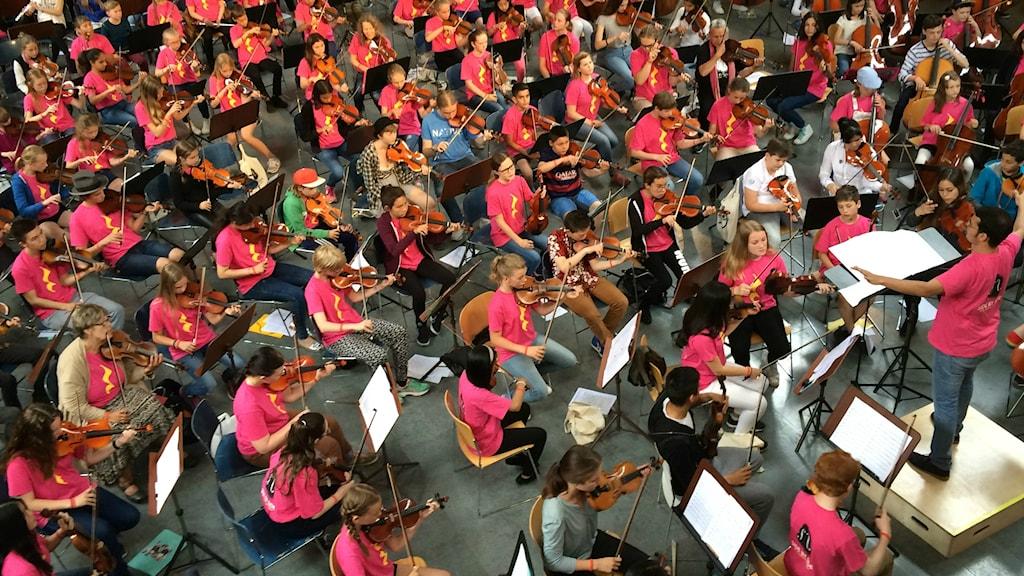 Barnorkester på musikläger