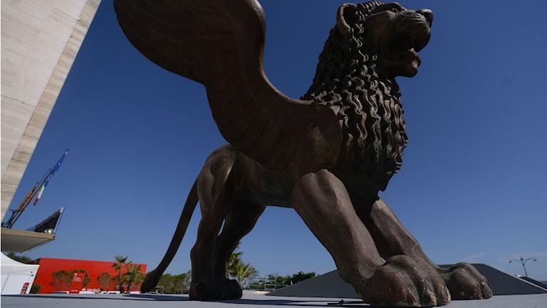 Det bevingade lejonet är filmfestivalen i Venedigs symbol.