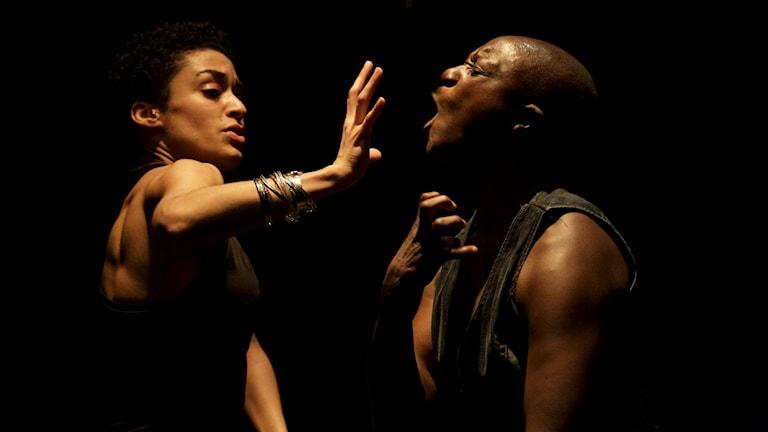 S/T/R/A/T/E/S  koreograf: Bintou Dembele