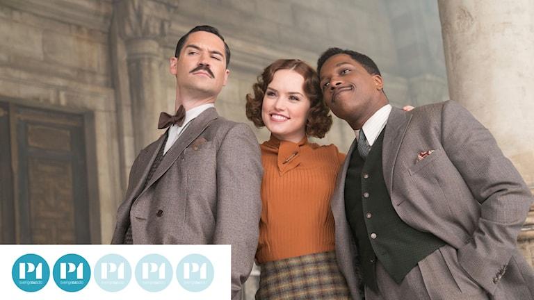 """Manuel Garcia Rulfo, Daisy Ridley och Leslie Odom Jr. i """"Mordet på Orientexpressen""""."""