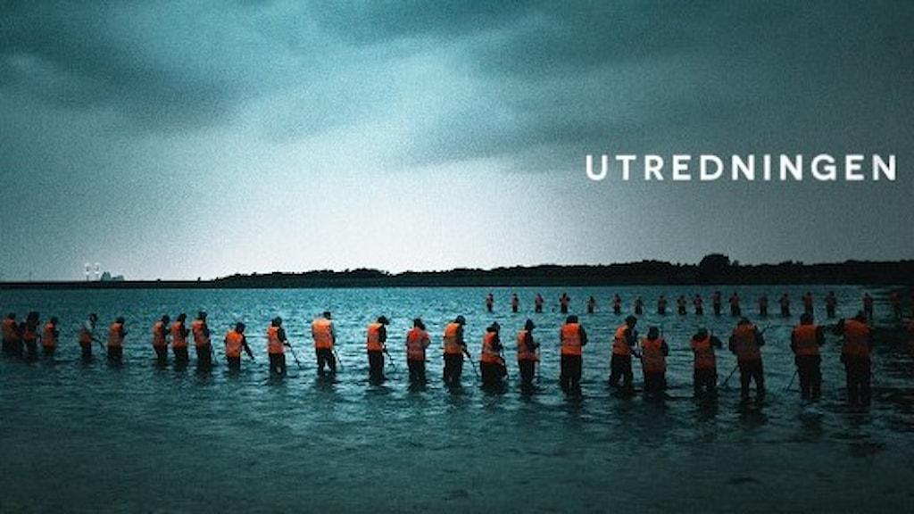 Utredningen. Människor letar i havet.