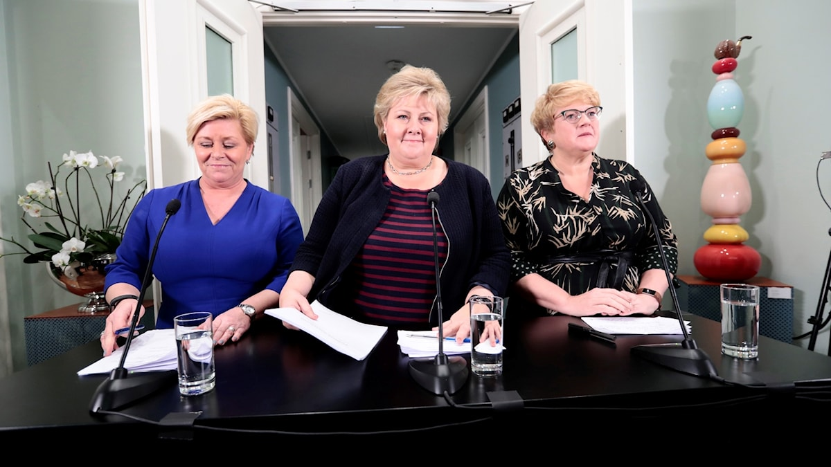 Prime Minister of Norway, Erna Solberg, center, Minister of Finance Siv jensen, left, and Trine Skei Grande.
