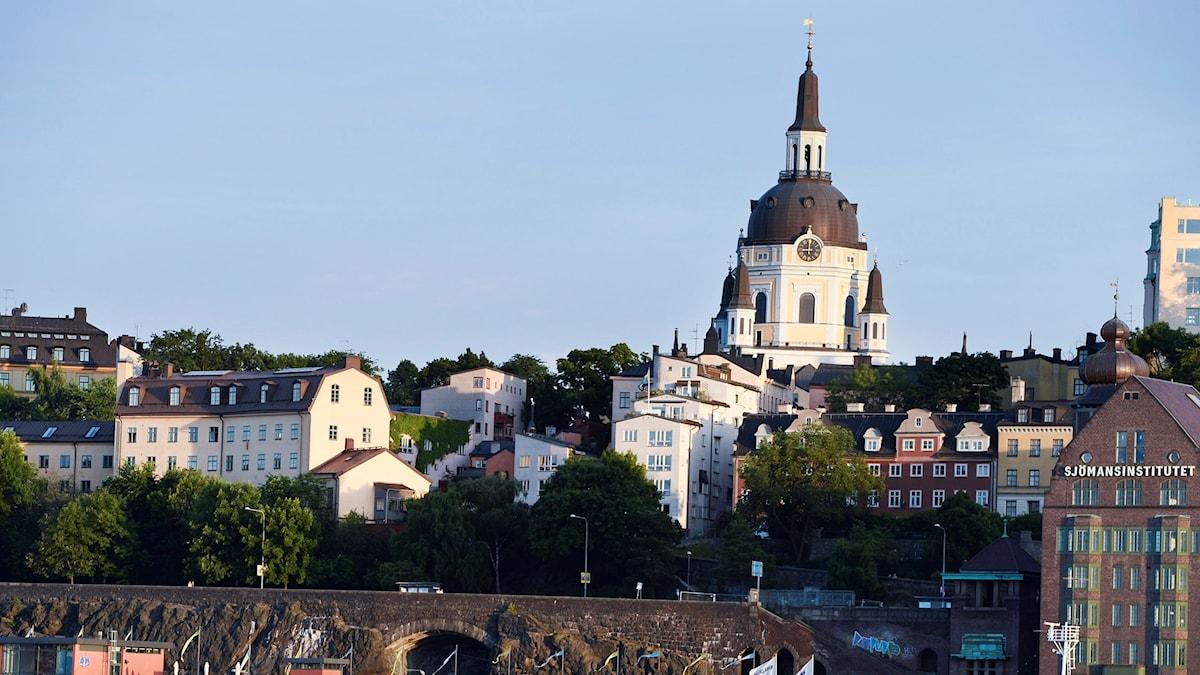 Katarina kyrka i Stockholm brandhärjades 1990 men byggdes upp.