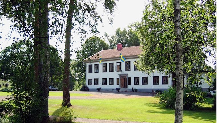 Björkborns herrgård byggdes omkring 1815 och var bostad åt bruksägare och disponenter vid Björkborns bruk fram till 1970-talet