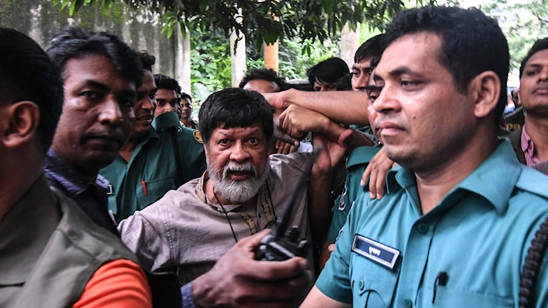 Shahidul Alam under studentprotesterna i Bangladesh.