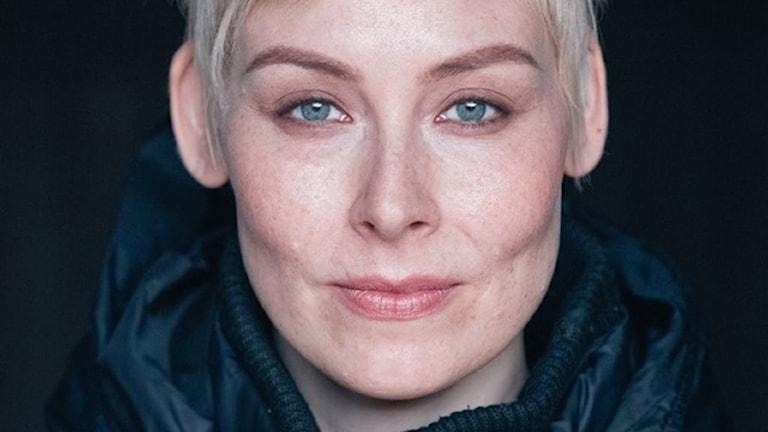 Porträtt av författaren Laura Lindstedt