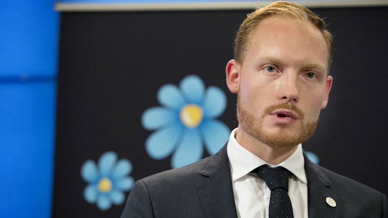 Aron Emilsson, Sverigedemokraternas kulturpolitiska talesperson.
