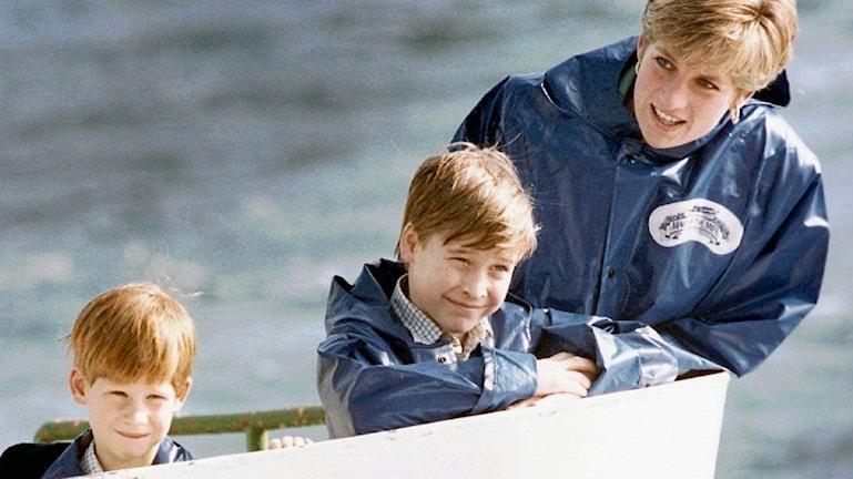 Prinsessan Diana men sina söner.