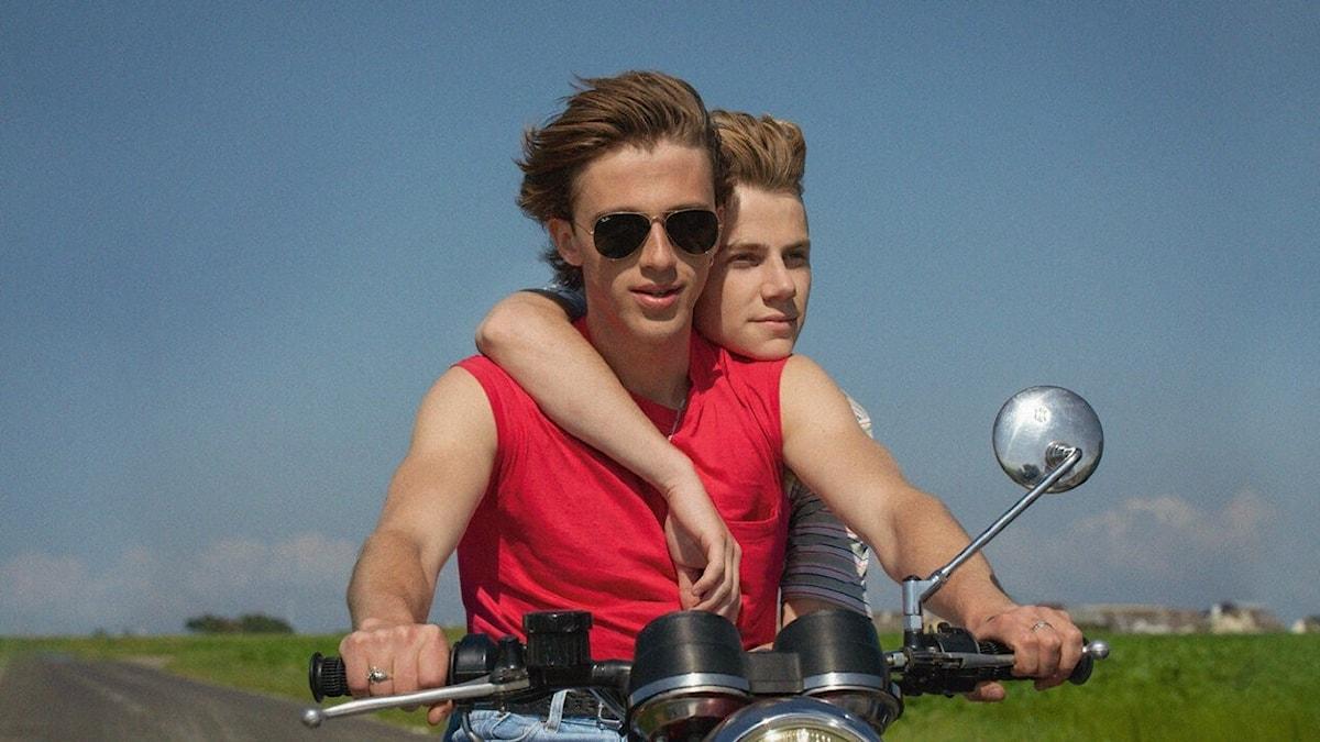 """David och Alex i filmen """"Sommaren -85""""."""