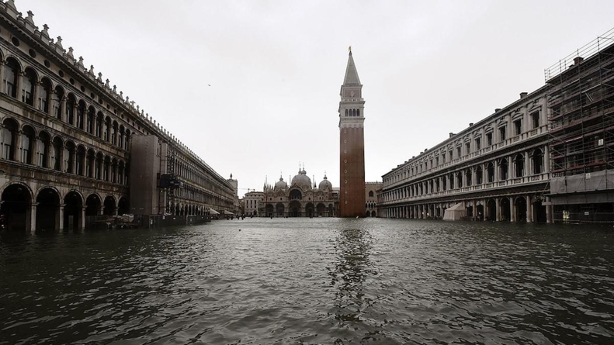 Marcusplatsen i Venedig översvämmad oktober 2018