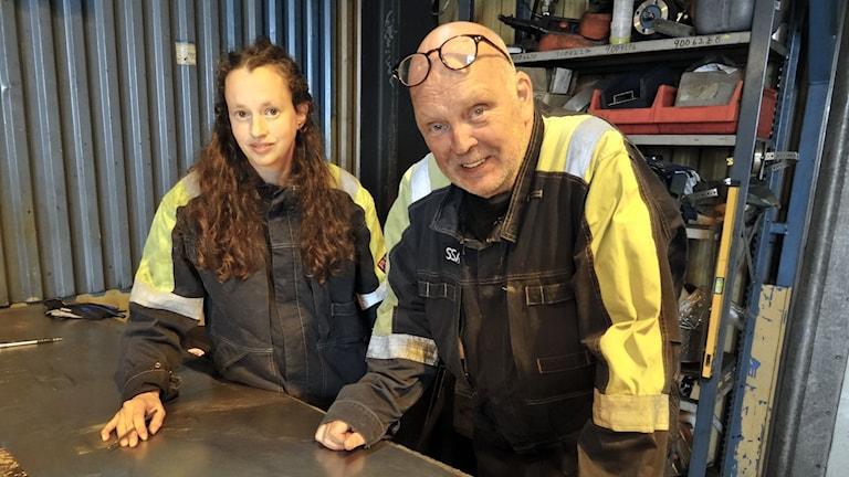 Sofia Sundberg, konstnär och Ulf Olsson, mekaniker, SSAB, Luleå.