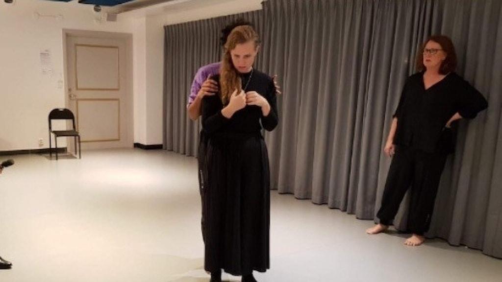 Bild av Malin B. Eriksson, Liv Björk Zehourou och Siri Bengten