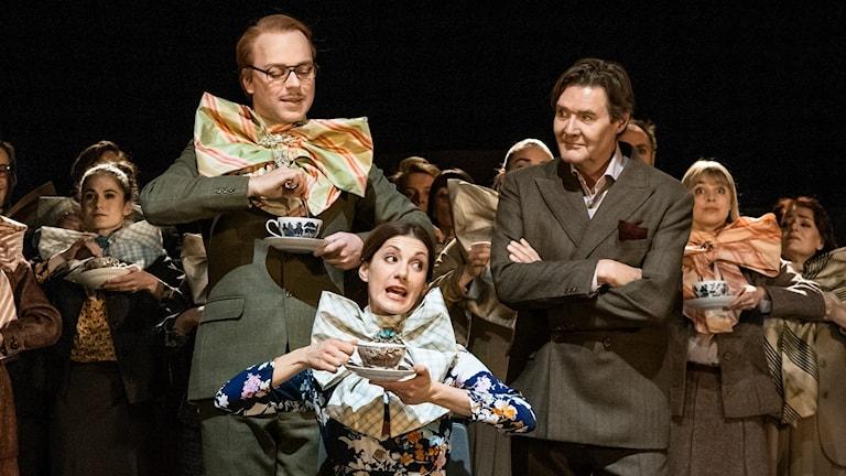Robert Fux, Nina Zanjani och Johan Rabaeus i My Fair Lady. Premiär 8 december på Stora scenen. Kulturhuset Stadsteatern 2017
