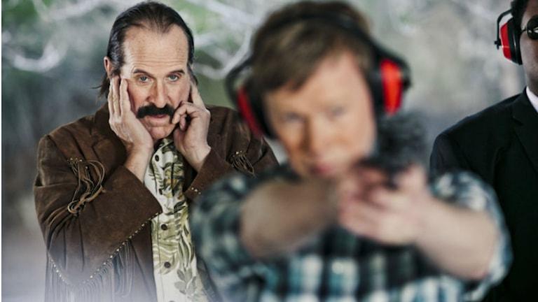 "ur teveserien ""Swedish Dicks"" (Peter Stormare, Johan Glans)"