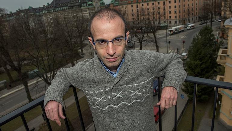 Yuval Noah Harari skriver om världens historia.