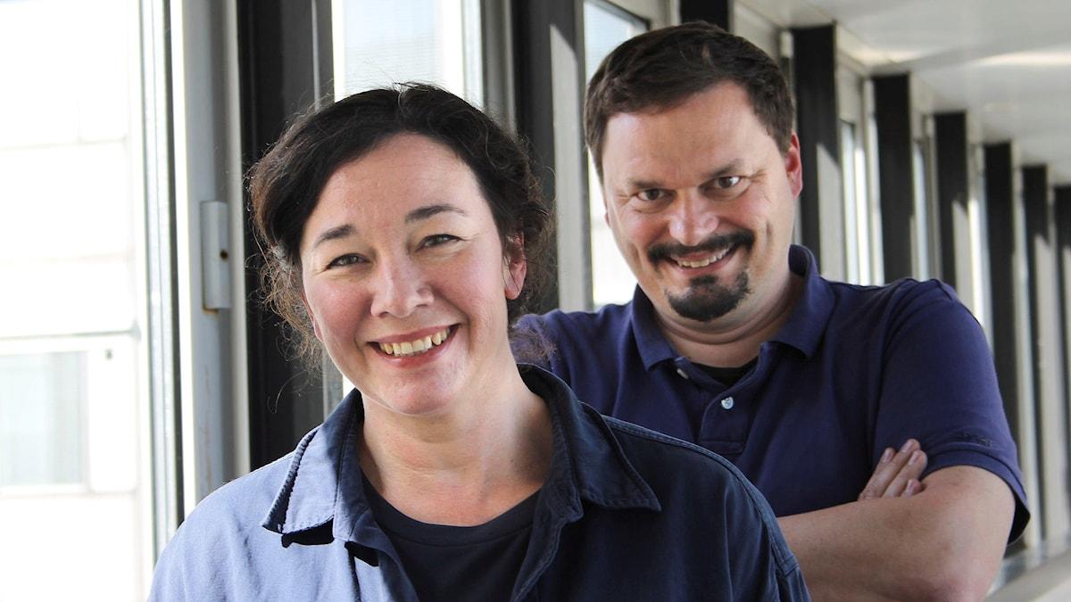 Nadja Weiss och Roger Wilson. Foto: Amanda Rydman/Sveriges Radio.