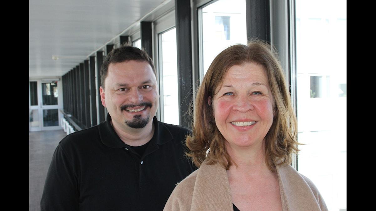 Ingela Olsson och Roger Wilson. Foto: Anna-Karin Ivarsson/Sveriges Radio.