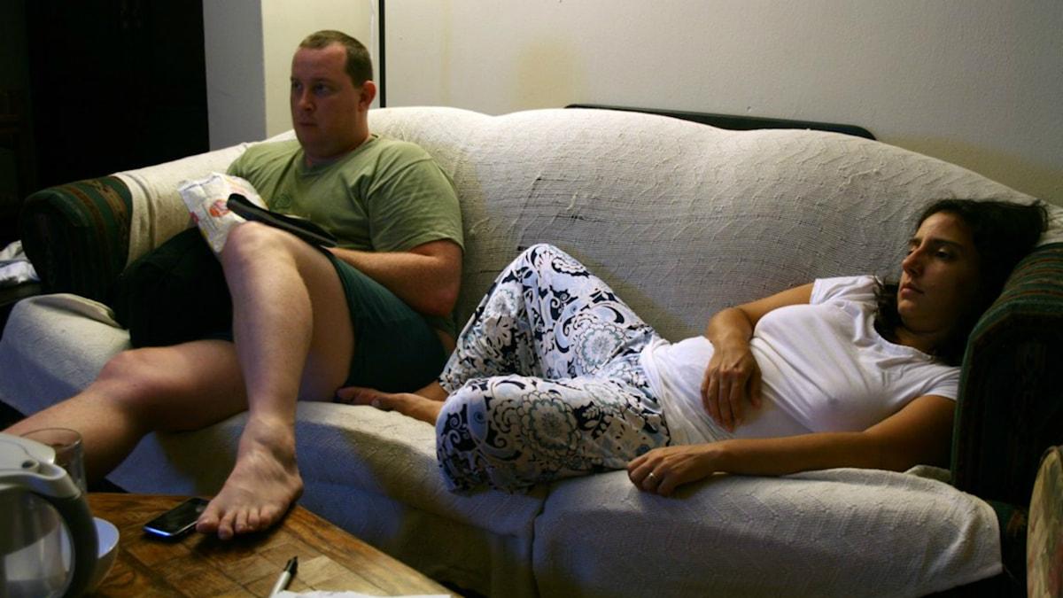 Ett par i soffan Foto: Caitlin Regan http://bit.ly/1gZFtZB (CC BY 2.0)