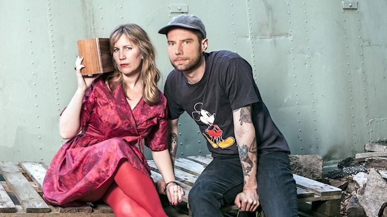 Hanna och Ramus rapporterar. Foto: Mattias Dellmo