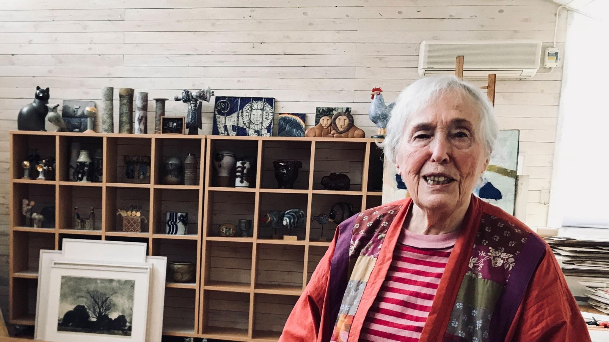 Lisa Larsson i sin ateljé.