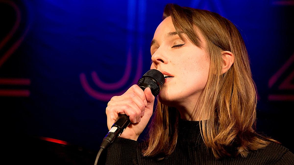 Isabella Lundgren fick pris som årets musiker på P2 Jazzkatten 2015. Foto: Micke Grönberg/Sveriges Radio