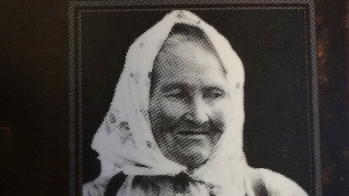 Traditionsbärerskan Kaisa Vilhuinen.