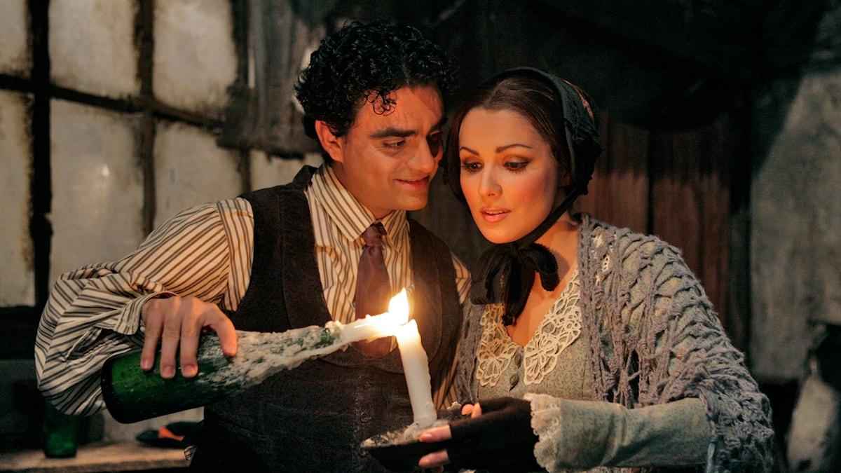 Rolando Villazon och Anna Netrebko i Metropolitanoperan uppsättning av La Bohème 2006. Foto: Ken Howard/TT Bild