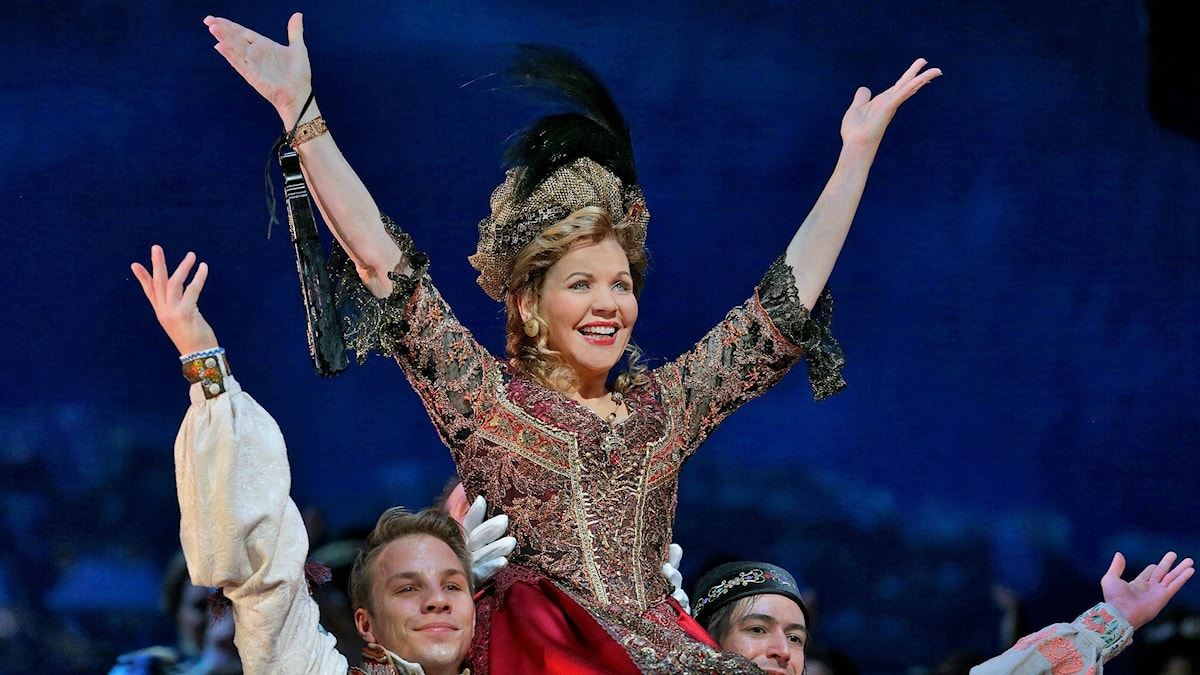 Renée Fleming som Hanna Glawari i Lehárs Glada änkan. Foto: Ken Howard/Metropolitan Opera