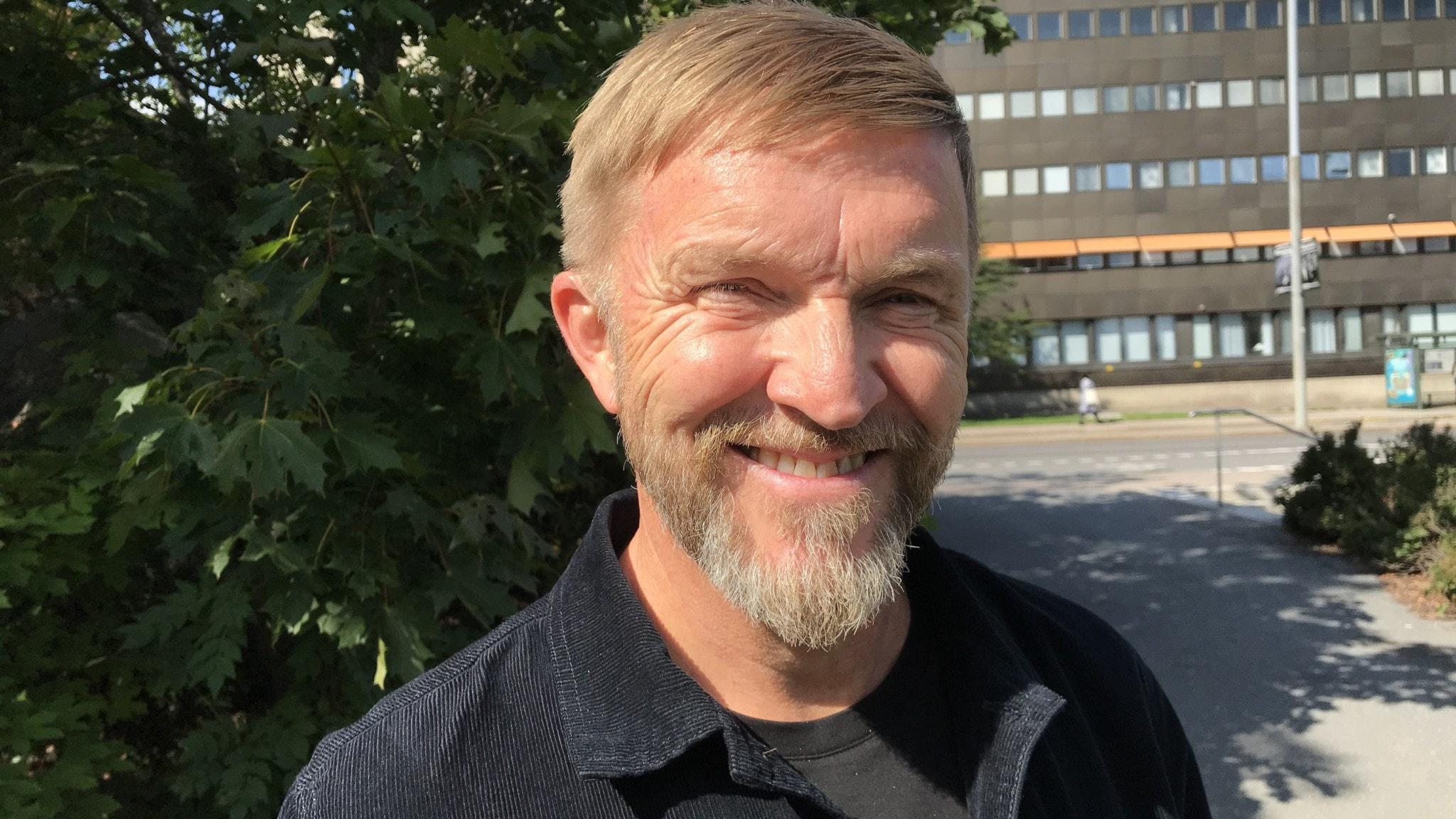 Soilin seurassa näyttelija ja musikaaliartisti Timo Nieminen Göteborgista