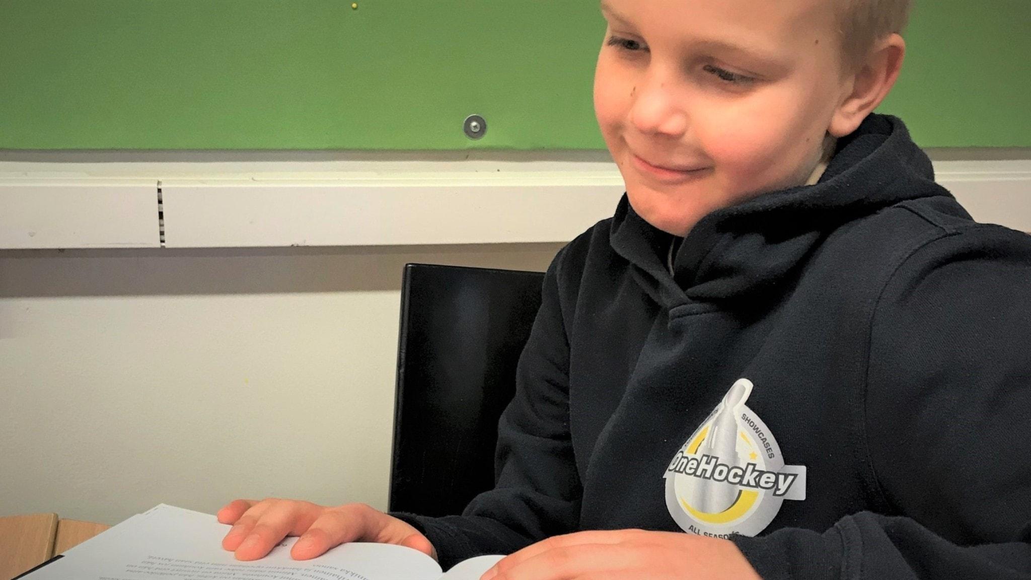 Kielipuoli: Lasten kirjojen kielen yksinkertaistamisesta on sekä hyötyä että haittaa