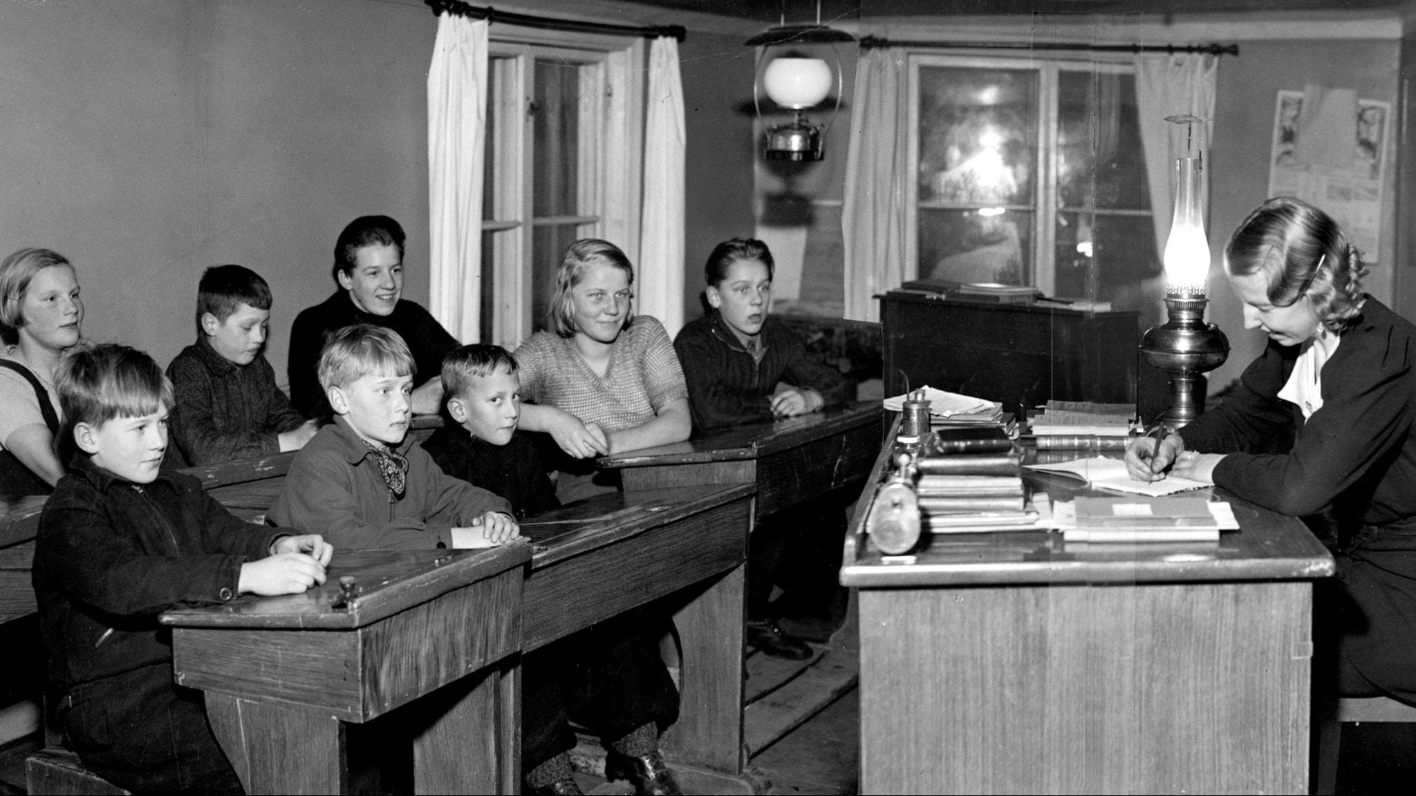 Fröken Kristina Nilsson, Höggarns folkskola, 1938. foto:TT