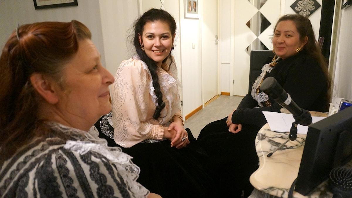 O)rvokki Palm, Tanja Hagert ja Sabina Hagert.