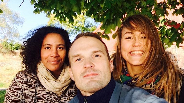 Majula Drammeh, Tuomas Ojala ja Elisa Erävalo omina itsenään. Foto: Tuomas Ojala