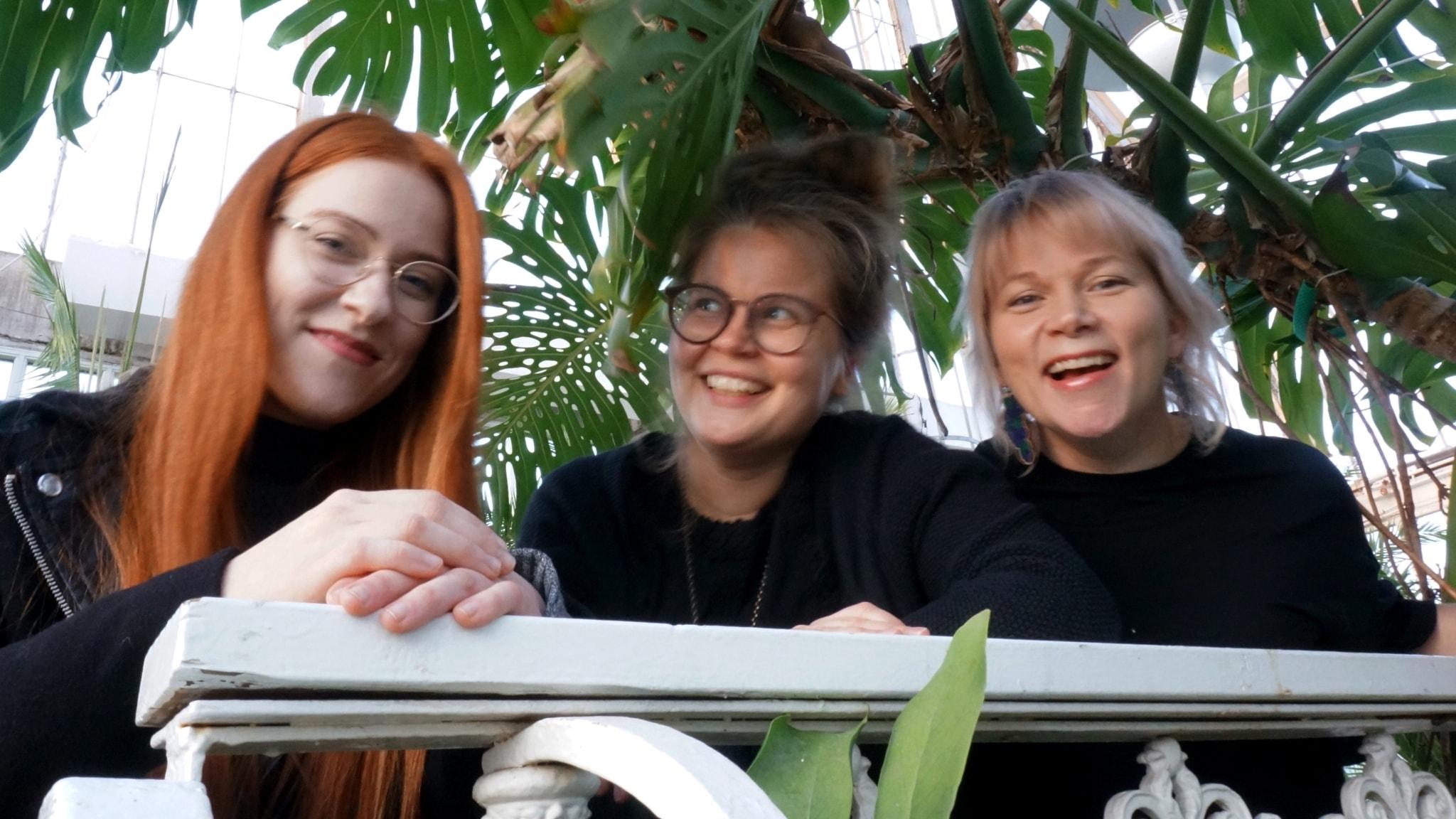 Luovat keskustelijat: Maissi Uusitalo, Anna Martta Partio ja Nina Wall Göteborgin Palmhusetissa.
