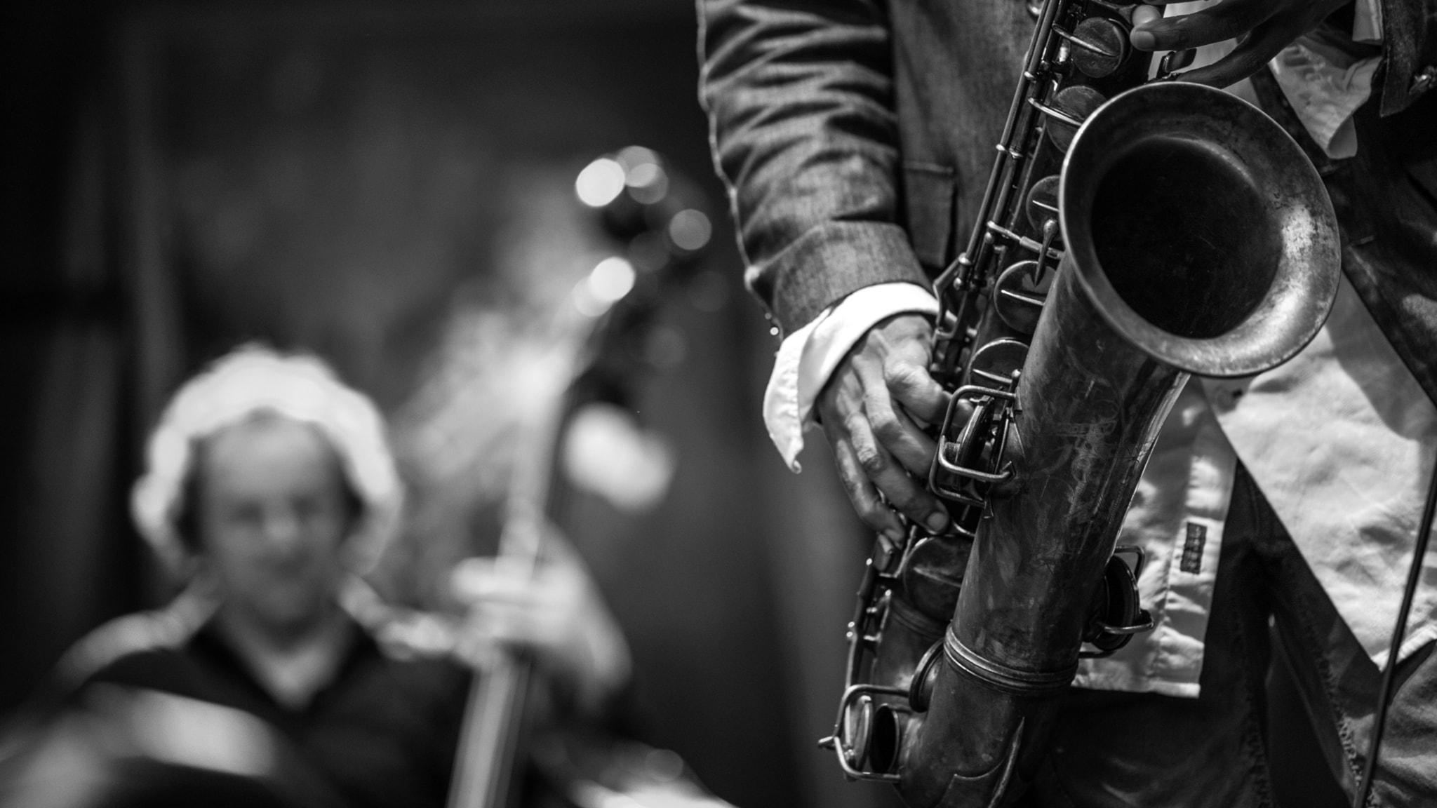 1950-luvun konsertissa kuplintaa ja syviä syövereitä
