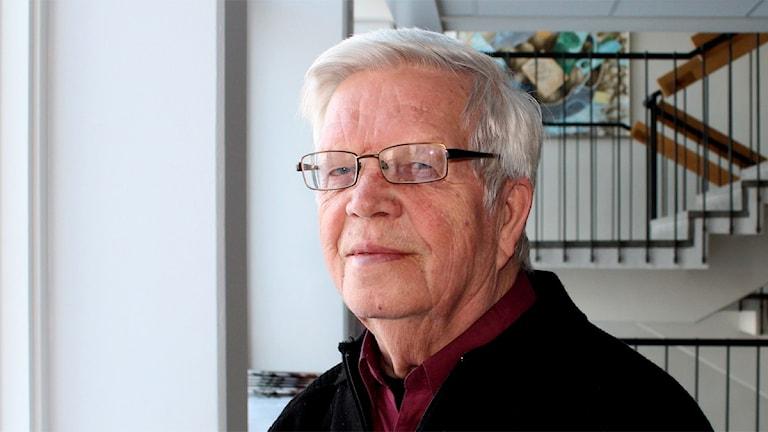Yrjö Pollari kertoo fagotista. Kuva: Kirsi Blomberg Sveriges Radio