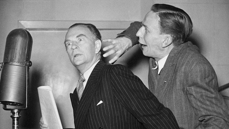 """LJUSBLÅTT I NOVEMBER"""" DEN 11 NOV 1944  """"LJUSBLÅTT I NOVEMBER"""" DEN 11 NOV 1944 """"Spöket"""" Curt Löwgren och Einar Axelsson"""