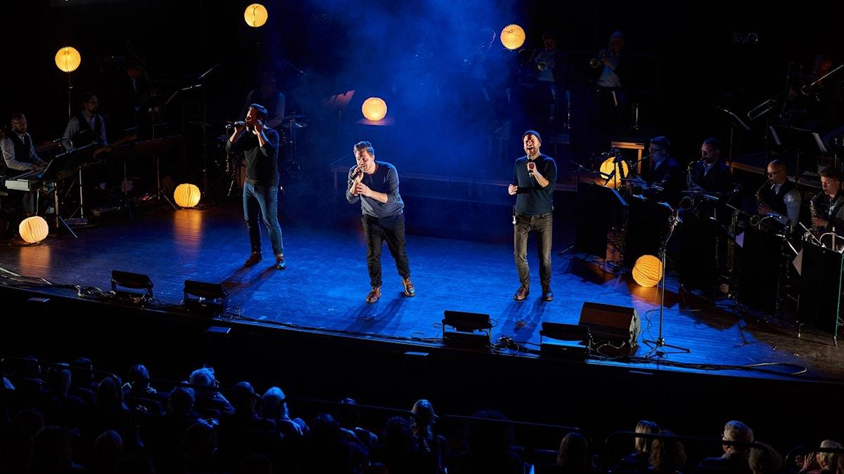 Solala uppträder tillsammans med Bohuslän Big Band