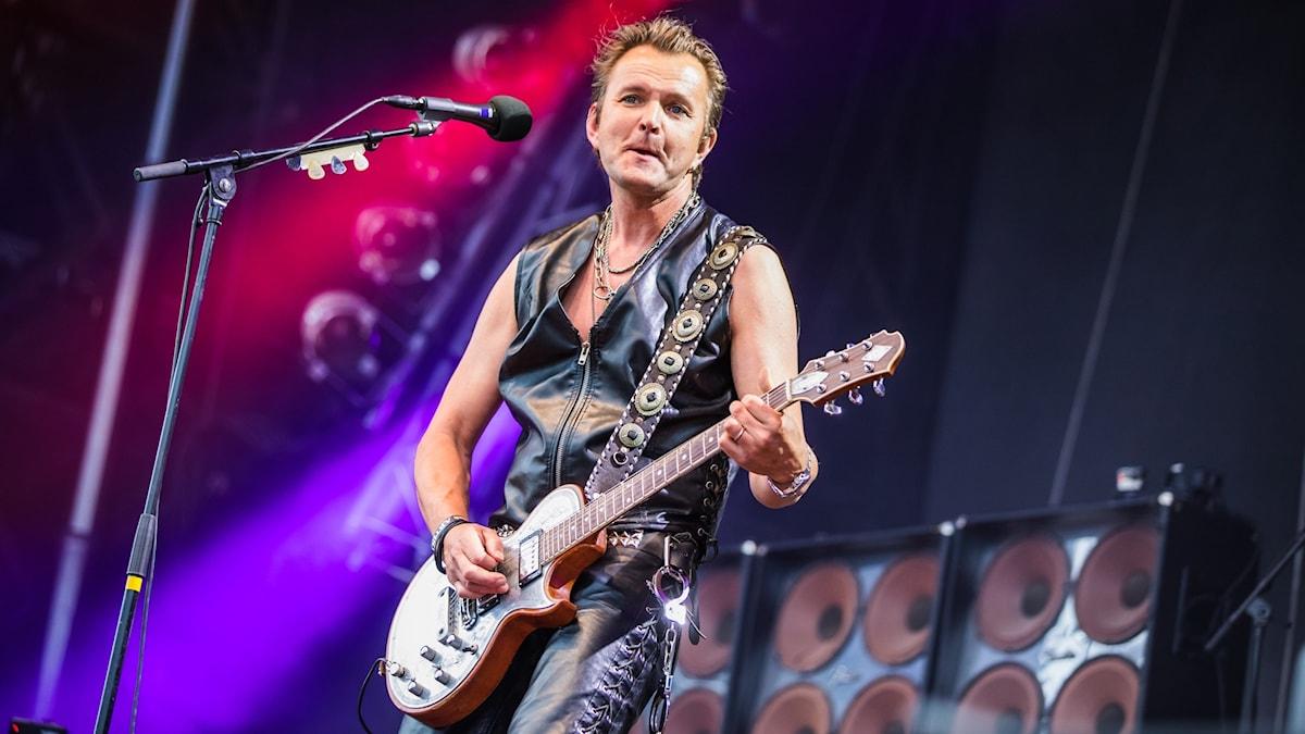 Anders Möller är sångare och gitarrist i Black Ingvars