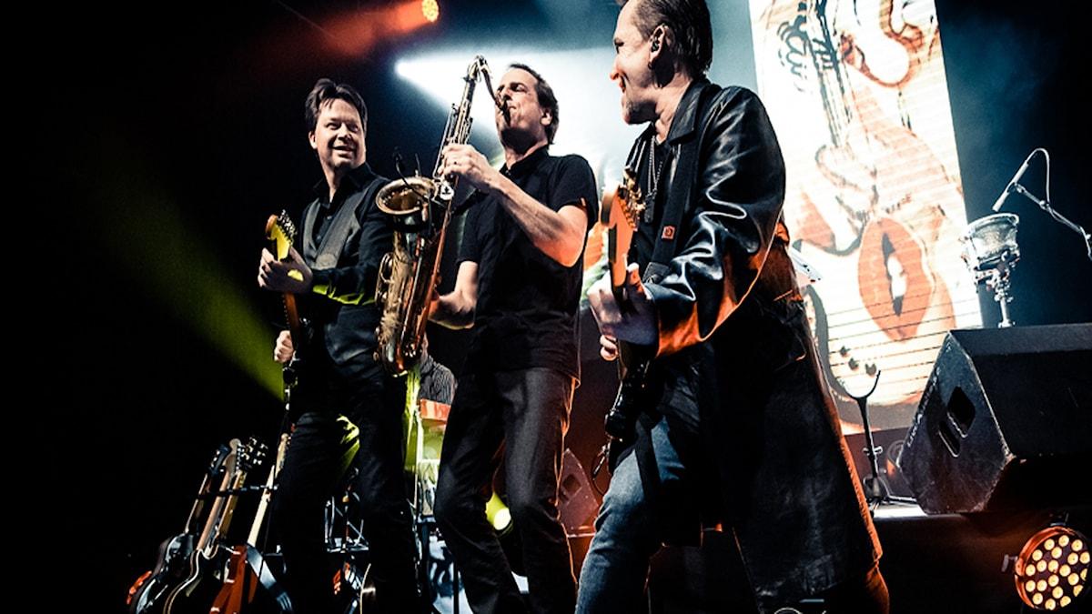 """Stefan Jonsson, Martin Lindqvist och Totte Rajamäki är viktiga pusselbitar för soundet i """"A Tribute To Dire Straits"""". Foto:  Direstraits.se"""