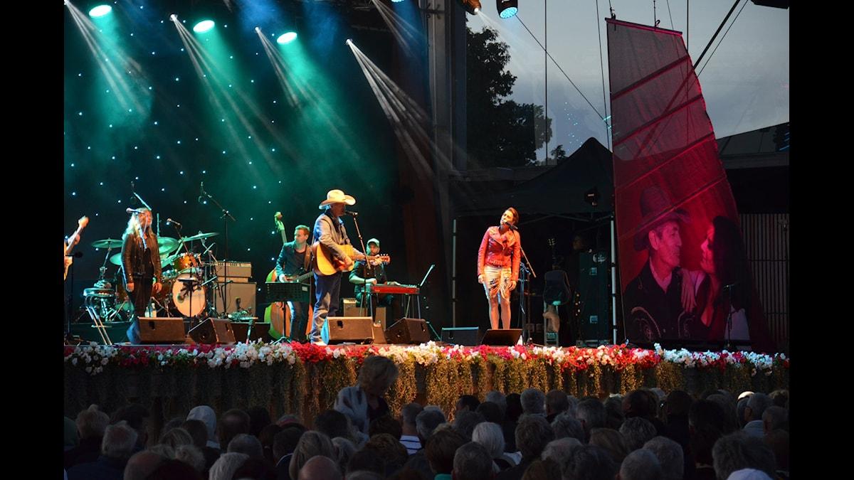 Doug Seegers och Jill Johnson på Sollidenscenen, Gröna Lund 2015.
