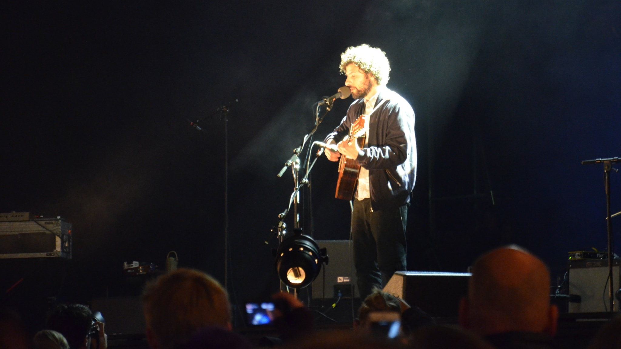 José Gonzaléz på Lisebergs stora scen.