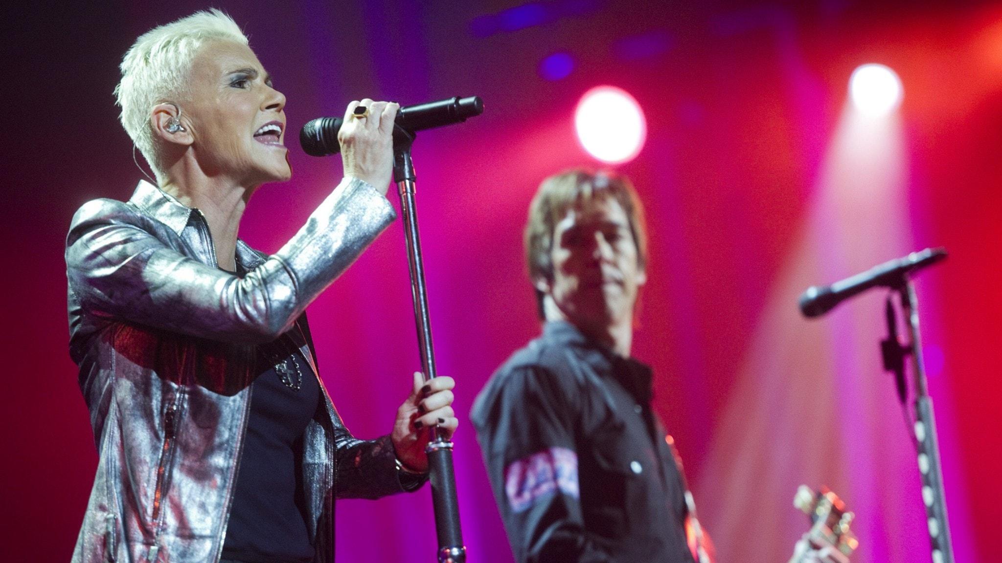 Roxette med Marie Fredriksson och Per Gessle spelar på Globen.