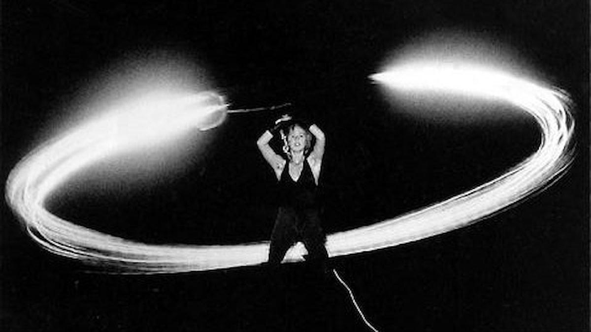 """Elektroakustiske tonsättaren Gordon Monahans """"Speaker Swinging"""". Foto: gordonmonahan.com"""