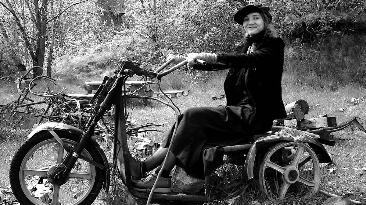 Poeten Ursula Andkjær Olsen. Foto: Henrietta Bachmann