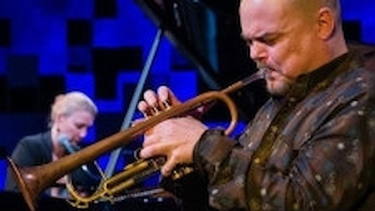 Jazztrumpetaren Anders Bergcrantz och tonsättaren Anna-Lena Laurin. Foto: www.annalenalaurin.se