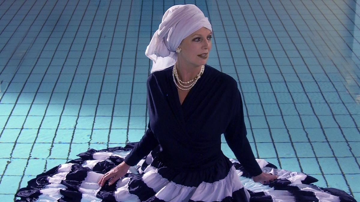Författaren Susanne Brøgger sjunger blues. Foto: Suste Bonnén